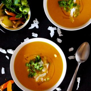 Extra creamy curried carrot soup. Healthy, rich and flavourful - thanks to #turmeric, #ginger, #chillies & #garlic - #vegan #gf