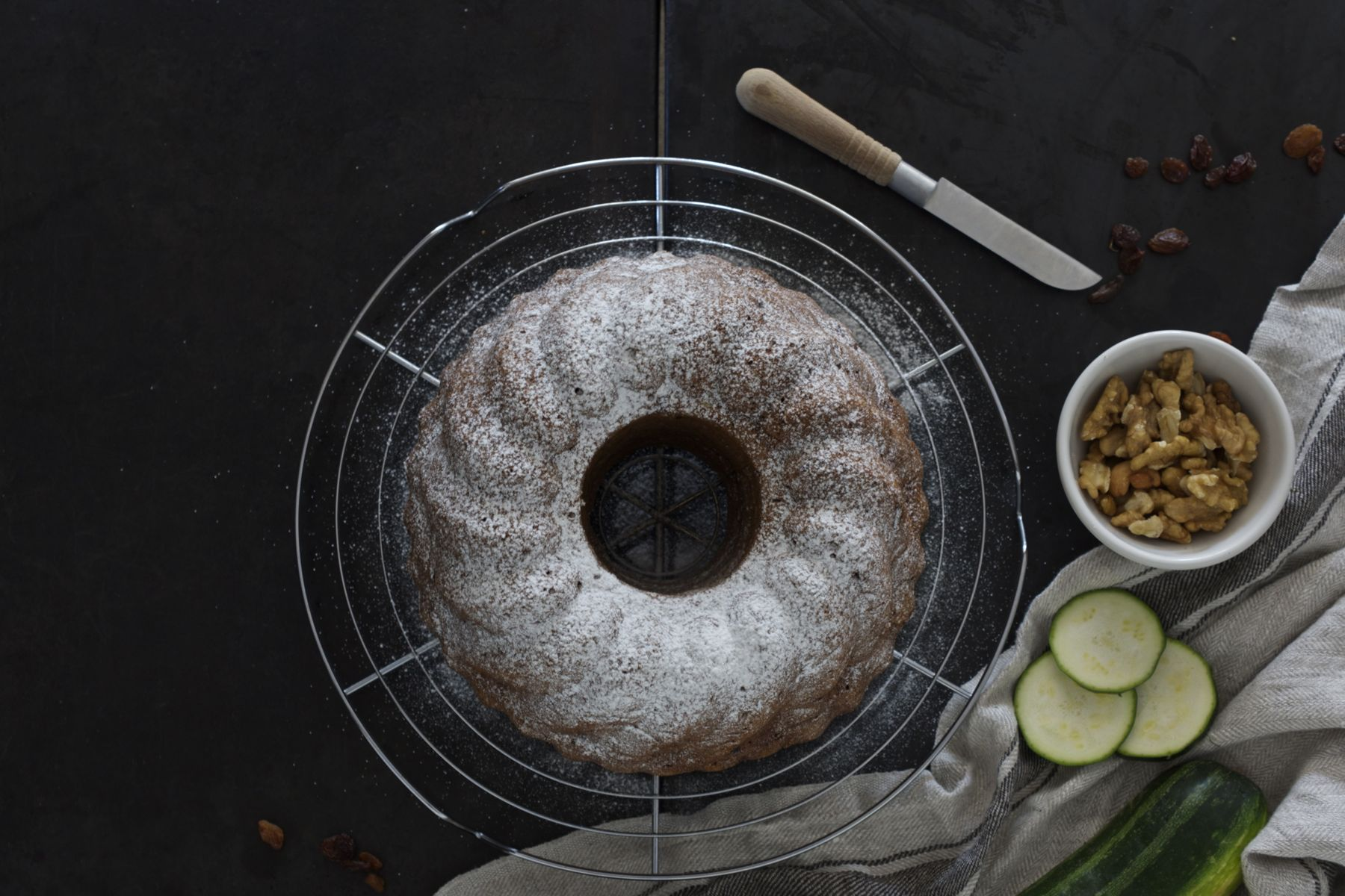 Birdeyeview onto this lovely Healthy Zucchini Bundt Cake #healtyfats #walnuts #lowonsugar