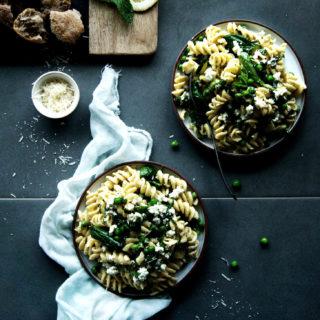 Weeknight Dinner: Ricotta & Pea Spring Pasta
